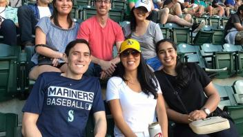 Group of UC Davis alumni at a Seattle Mariners game